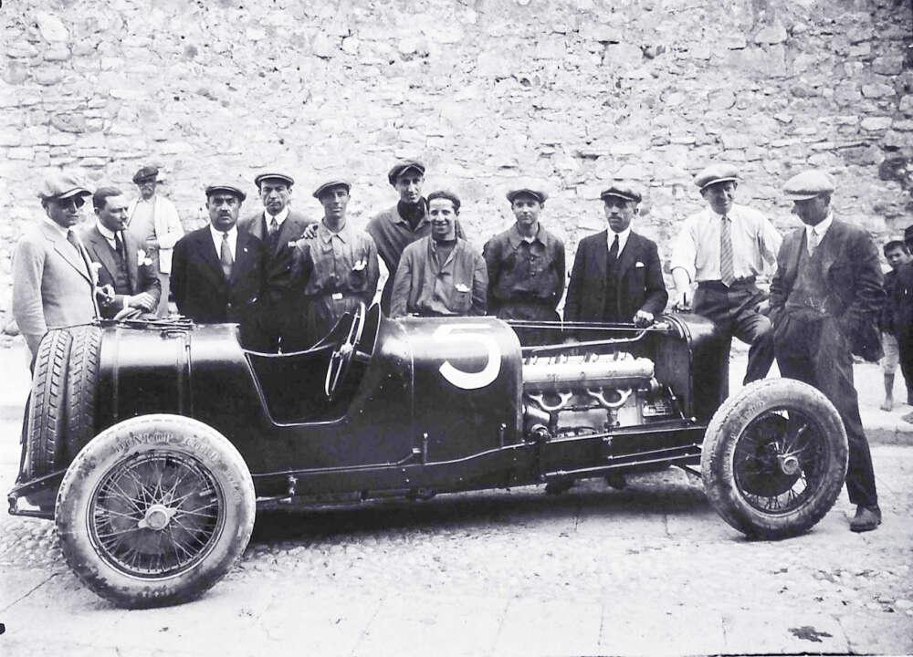 1926 04 14 Targa Florio Maserati Tipo 26 crew edit